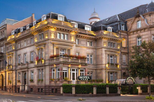 Entrée de l'Hotel 4 étoiles Regent Contades à Strabourg Centre